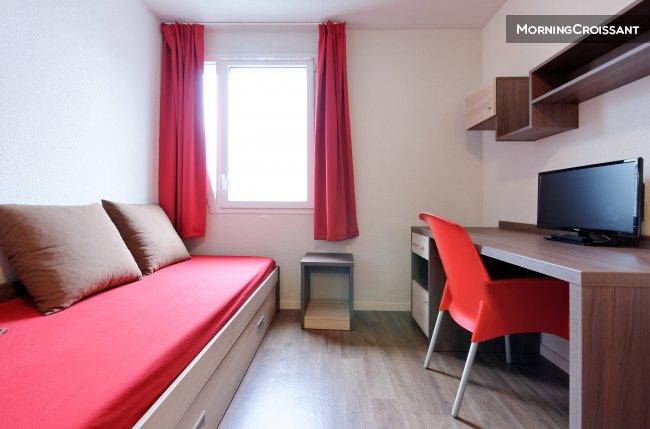 studio meubl louer nantes agr able studio nantes. Black Bedroom Furniture Sets. Home Design Ideas