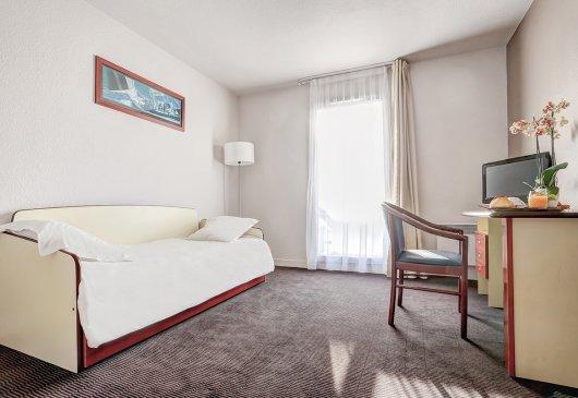 location meubl e d 39 appartement rennes. Black Bedroom Furniture Sets. Home Design Ideas