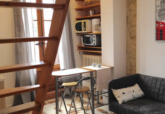 location meubl e de studio lycee joffre montpellier. Black Bedroom Furniture Sets. Home Design Ideas