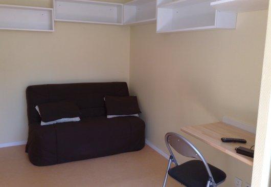 location meubl e d 39 appartement saint laurent des eaux. Black Bedroom Furniture Sets. Home Design Ideas