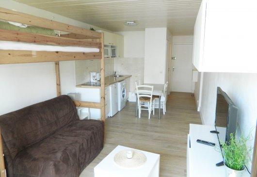 location studio annecy le bon coin. Black Bedroom Furniture Sets. Home Design Ideas