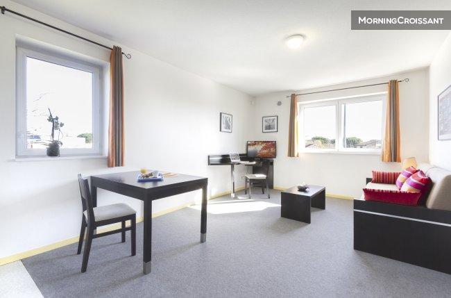 appartement meubl louer toulouse t2 climatis toulouse. Black Bedroom Furniture Sets. Home Design Ideas