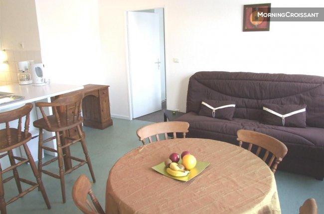appartement meubl louer rouen f2 meubl secteur chu de. Black Bedroom Furniture Sets. Home Design Ideas