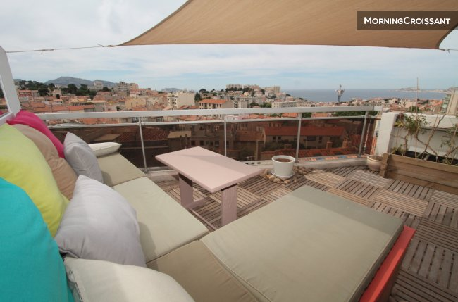 appartement meubl louer marseille toit terrasse vue. Black Bedroom Furniture Sets. Home Design Ideas