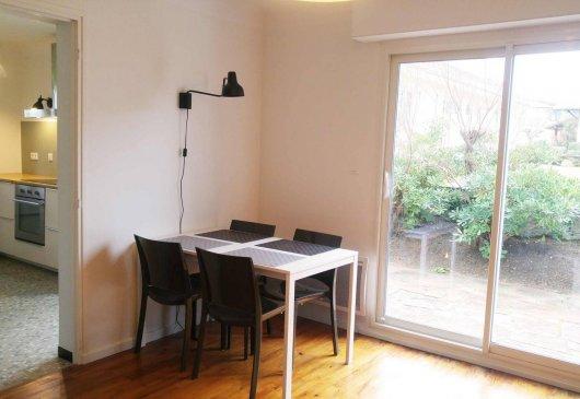 location meubl e d 39 appartement saint pierre d 39 irube. Black Bedroom Furniture Sets. Home Design Ideas