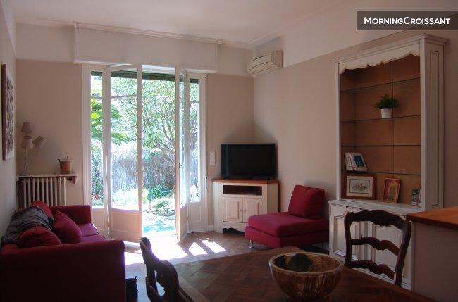 Appartement meubl louer nice appartement calme avec for Chambre a louer nice