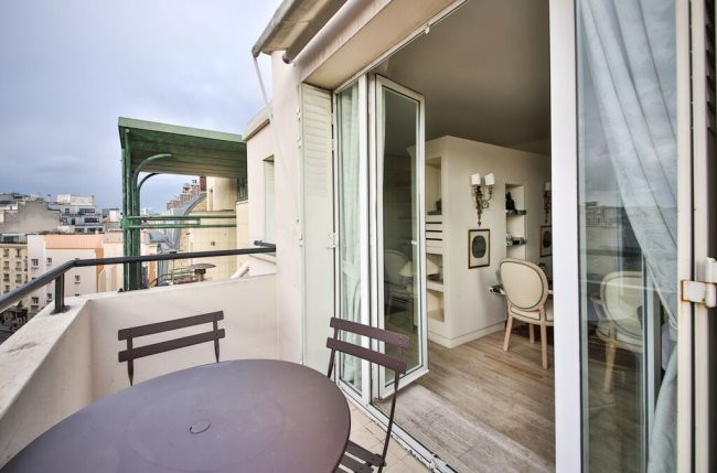 Appartement balcon vue Tour Eiffel