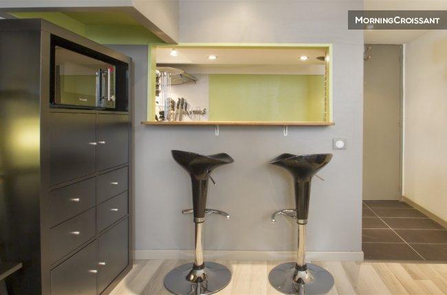 appartement meubl louer bordeaux studio hyper centre de bo. Black Bedroom Furniture Sets. Home Design Ideas