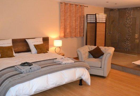 location meubl e aix les bains. Black Bedroom Furniture Sets. Home Design Ideas